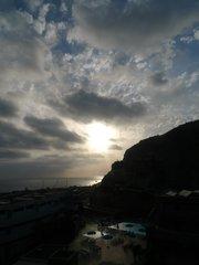 Вид из номера Терраса Амадорес. Перед закатом.