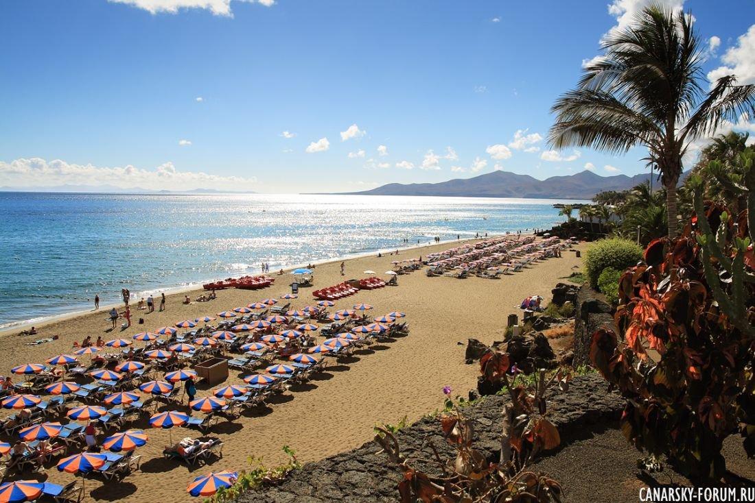 Пляж Puerto Del Carmen. Лансароте