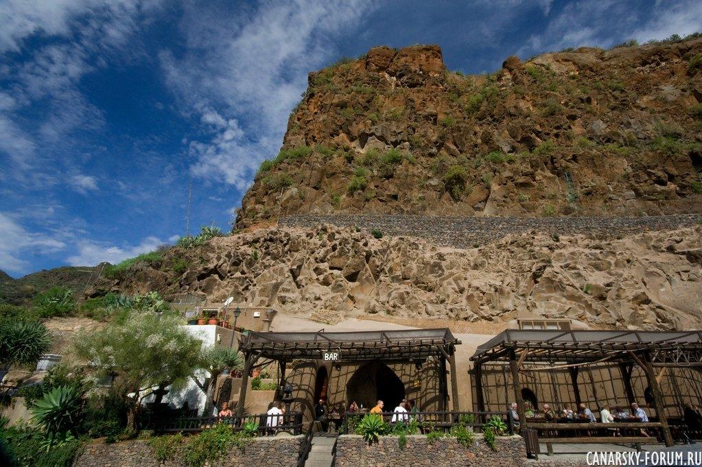 Ресторан Tagoror в пещере.