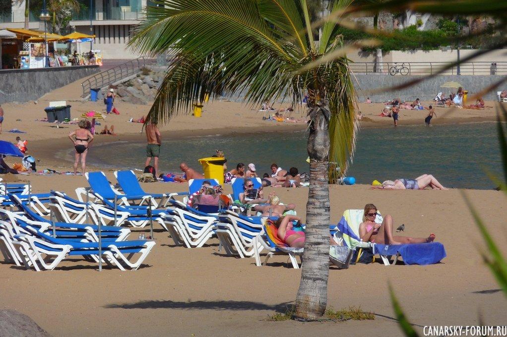 Столичный пляж Las Canteras