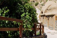 Апартаменты в пещере (9)