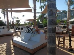На островке курорта Anfi del Mar...