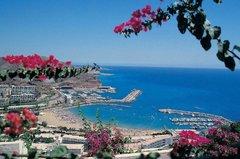 Это живописное курортное местечко с маленькими домами, мостами, каналами и песчаным пляжем протяжённостью 300 м.