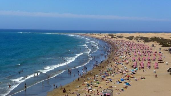playa del ingles.jpg