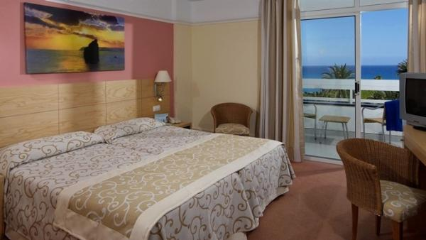 Double_room_IBEROSTAR Costa Canaria.jpg