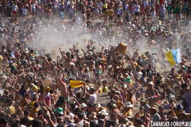 Праздник Чарко в Ла Алдеа 2.jpg