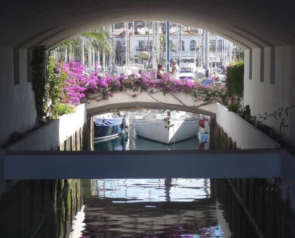 Puerto_de_Mogan-Canarsky-Forum5.jpg