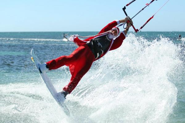 21-CHRISTMAS-ON-THE-BEACH-KITE-FREESTYLE-BEACH-PARTY-4.jpg
