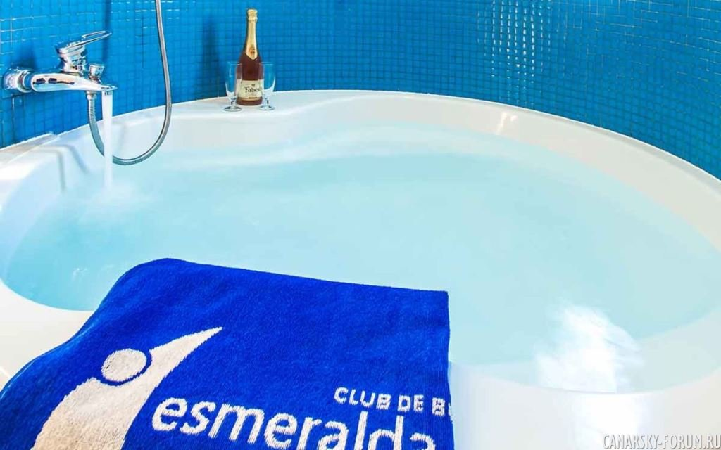 Esmeralda-Maris-6.jpg